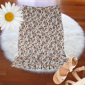 3/$20 Eye Candy Floral Ruffled Hem Skirt Small